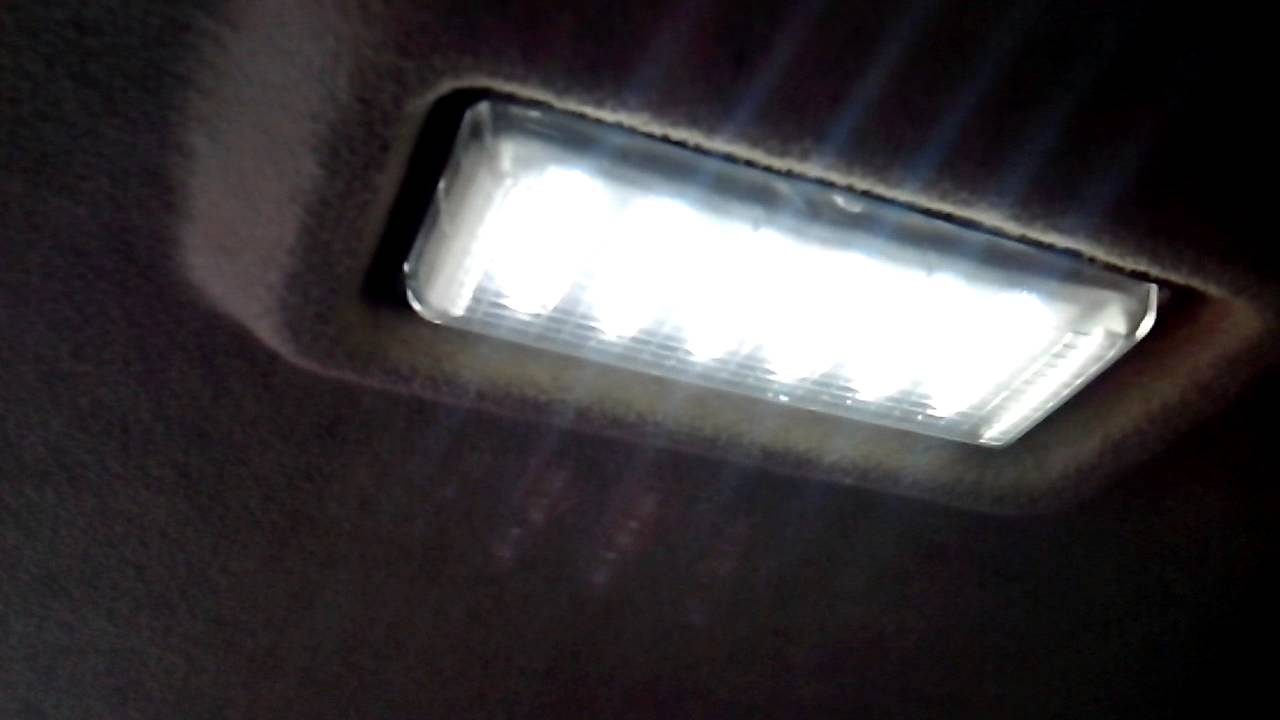 Замена плафона освещения в автомобиле ВАЗ 2115 - YouTube