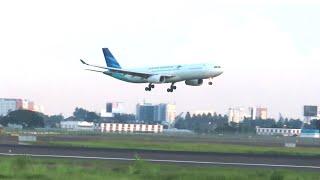 Gambar cover Garuda Indonesia Airbus A330-300 Landing di Bandara Internasional Soekarno Hatta Cgk Jakarta