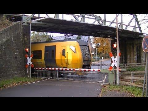 Spoorwegovergang Bad Bentheim (D) // Railroad crossing ...