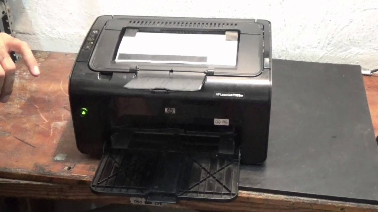 Como imprimir la pagina de prueba de la impresora HP P1102W - YouTube