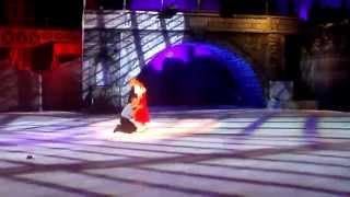 Сцена из ледового шоу Кармен (Навка, Костомаров, Ягудин)