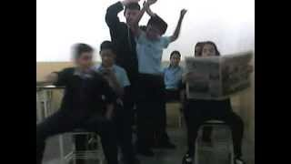 """En el liceo Antonio Nicolás Rangel """"El Bus"""" en Mérida, Venezuela"""