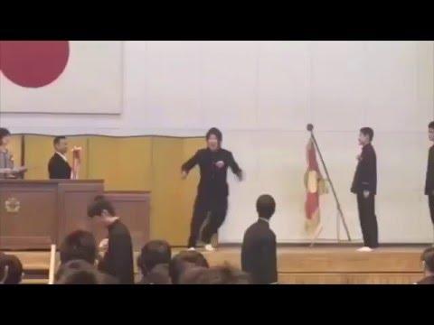 で、でた~ww卒業式でふざける奴〜www【twitterで話題】