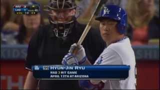 Hyun jin Ryu hits a Triple