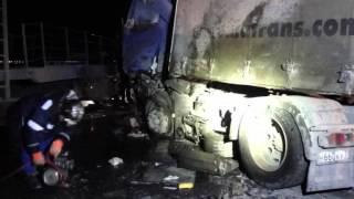 ДПГ   Под Сызранью в столкновении микроавтобуса Газель и двух фур  погиб  человек 30 03 2015
