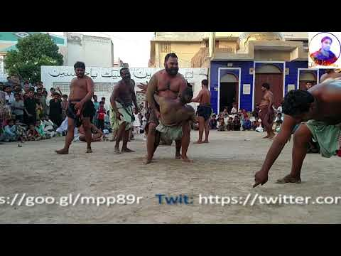 Malakra Malh | best competitive fight | Sindhi raand (play) at urs Qutub Ali Shah Jahania