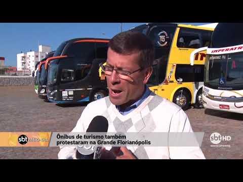 Ônibus de turismo da Capital protestam contra o aumento do combustível