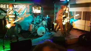 Little Barrie join's The Schizophonics on there last tunes at The P...