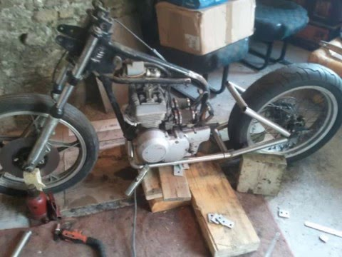 Moto 125 suzuki bobber fabrication maison parti 1 youtube for Fabrication maison