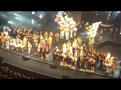 live show 20 năm ca hát đàm vĩnh hưng .