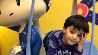 Gambar cover Efe parkta oynuyor 🎡 Eğlenceli çocuk videosu 🚒 Efe'nin oyun dünyası