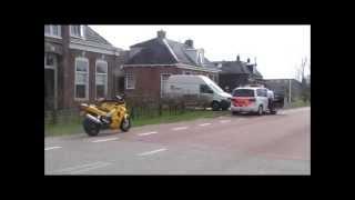 Motorrijder gewond na aanrijding met paaltje aan de Raarderwei in Bornwird