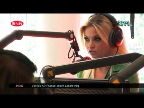 [Coen en Sander Show] Bobbi Eden in de studio 18-09-2013