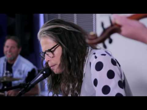 Steven Tyler performs DREAM ON