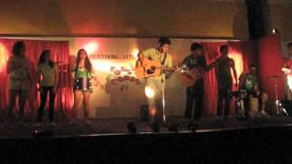 Play Color Esperanza (live acoustic)