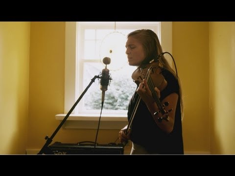 Hannah Epperson - Shadowless (Acoustic)