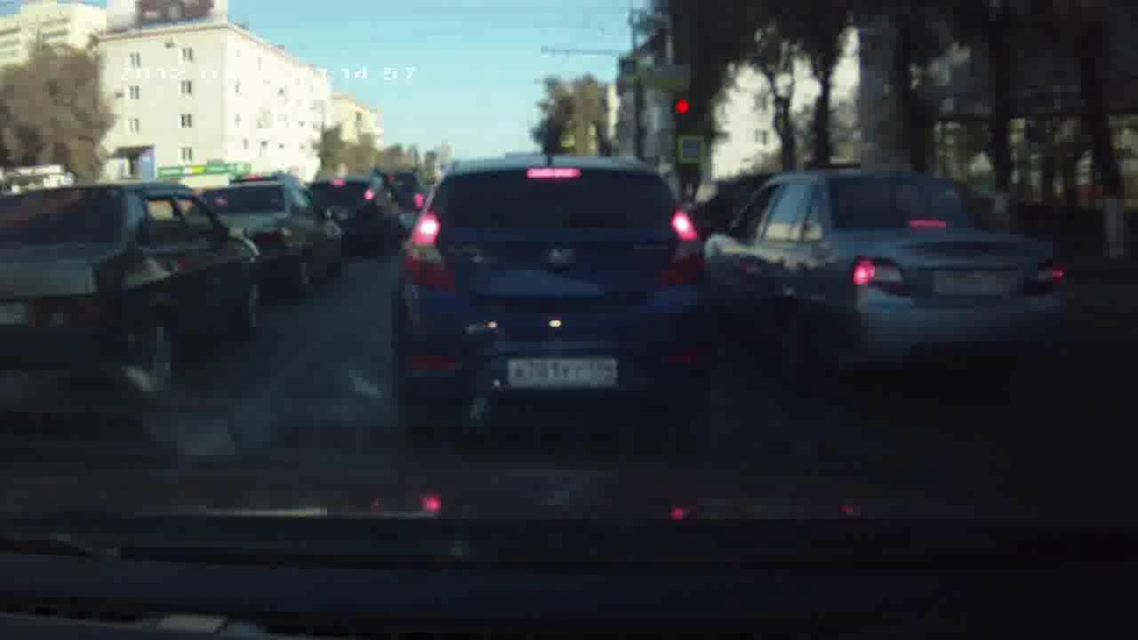 Хулиганы на улице поймали девушку и износ жёсткое видео бесплатно фото 334-448