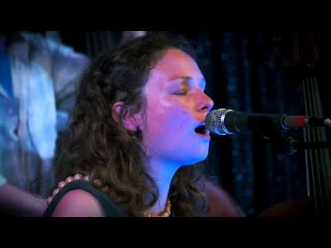 Beth Porter & The Availables - Pylons