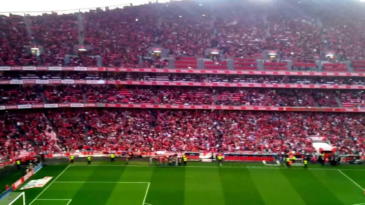 """Résultat de recherche d'images pour """"imagem do Estadio da Luz cheio"""""""