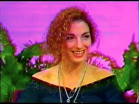 Rare! Gloria Estefan interview 1989 USA