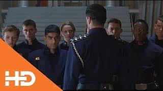 Судья Дредд преподает на факультете ★ Судья Дредд (1995)
