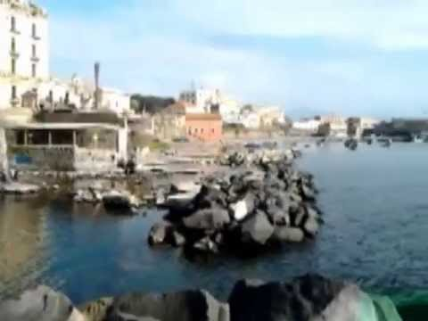 Marina di portici ieri marina di portici oggi guarda il for Foto di portici in pietra