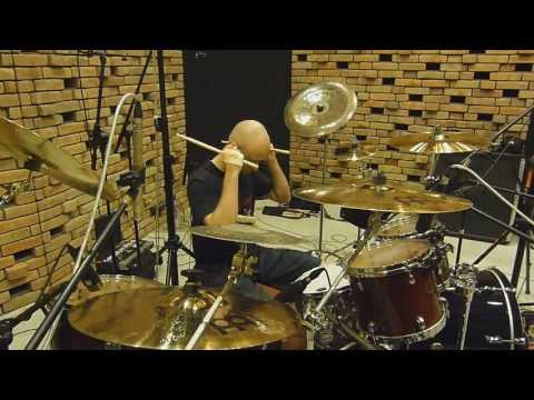 itSELF recording the new album at Hertz Studio (Drums)