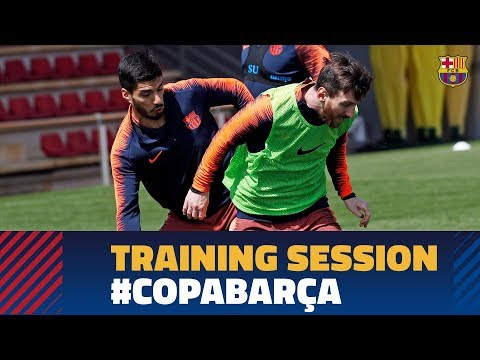 Squad train for Copa del Rey final against Sevilla