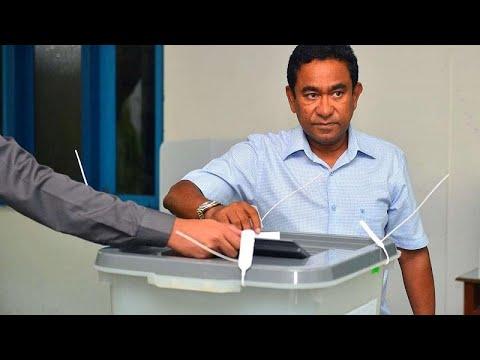 مرشح المعارضة في مالديف ابراهيم محمد صليح يعلن فوزه بانتخابات الرئاسة…  - نشر قبل 4 ساعة