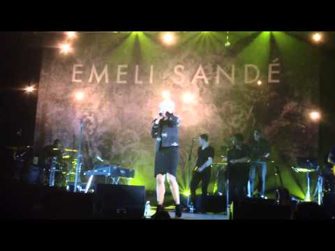 emeli-sandé---half-of-me-(luxembourg,-song-written-for-rihanna)