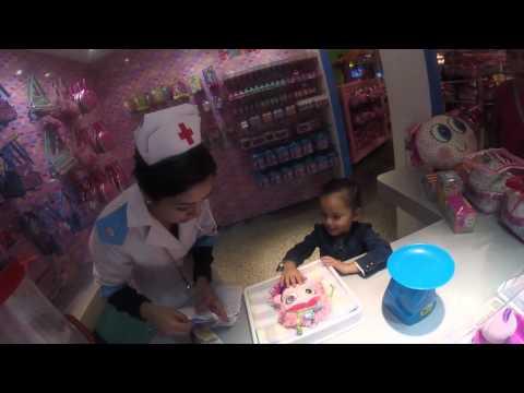 Melissa Adoptando a su Neonato con la enfermera Tania!!