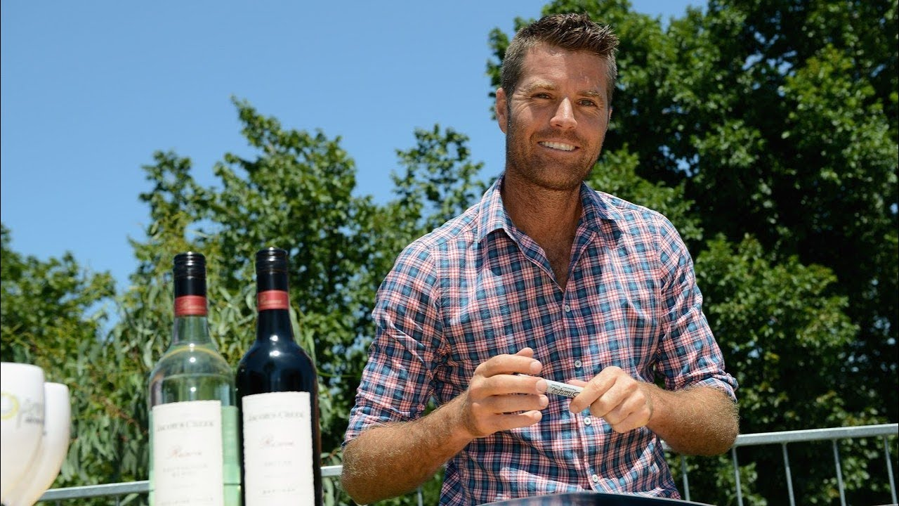 Pete Evans 'dropped' by Channel Seven after 'crazy coronavirus claims' – Sky News Australia