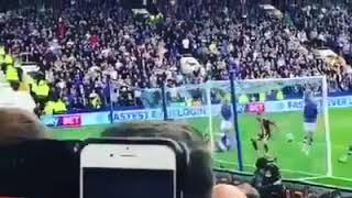 Sheffield Wednesday singing till Sheffield United re take the lead