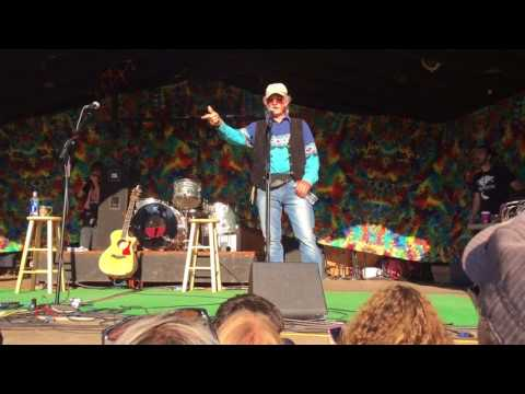 Atz Kilcher intro's Jewel at Salmonfest