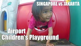 Дитячий майданчик Аеропорт Сінгапур Чангі термінал проти 3 Джакарти за Лифиа Ниала