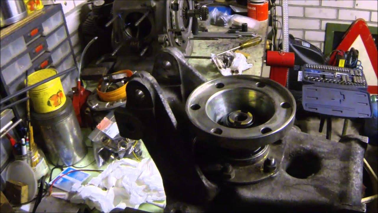 ferrari mondial rear wheel bearing replacement part 2 youtube. Black Bedroom Furniture Sets. Home Design Ideas
