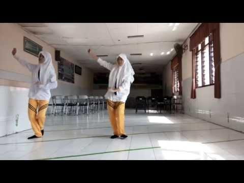 Tari Yosakoi SMPN 8 Surabaya