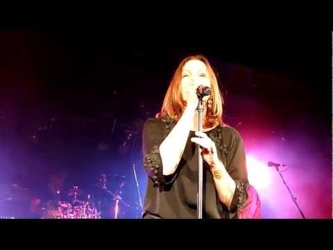 Belinda Carlisle - Leave A Light On - Live in Melbourne 25 Feb 2012 mp3