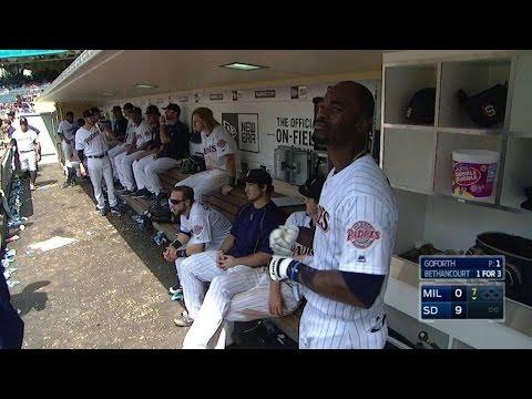 MIL@SD: Blash crushes first Major League home run