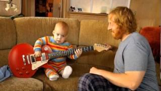 Cerita Lawak | bayi main gitar letrik | baby main gitar | budak main gitar