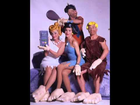 FINCHE' C'E' DITTA... Main Theme Music by Steo Mainetti