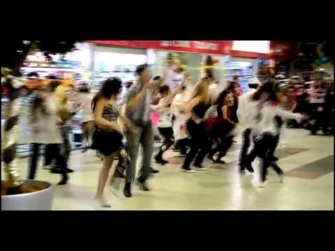 Видео: Миасс Хэллоуин Миасс - Лучший зомби флешмоб ФМ 2013