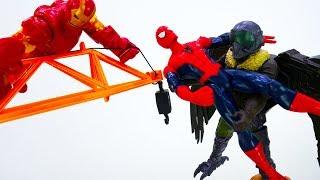 Железный Человеке спасает Спайдермена! Видео для мальчиков с супергероями.