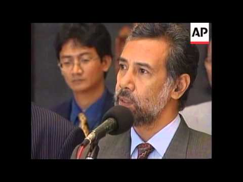 INDONESIA: E. TIMOR: LEADERS TRY TO SECURE PEACE
