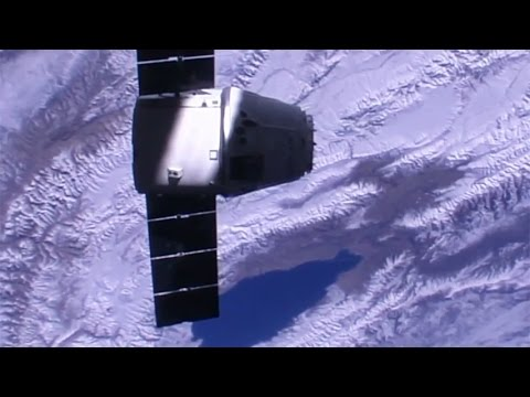 SpaceX Dragon CRS-10 capture