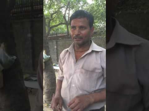 Chole kulche wala in Delhi-STREET FOOD