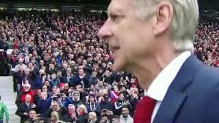 Manchester United's fans Applaud for Arsene Wenger