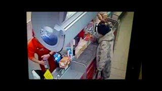 Мурманск. Пенсионерка подожгла себя в супермаркете.(, 2016-02-13T10:38:49.000Z)