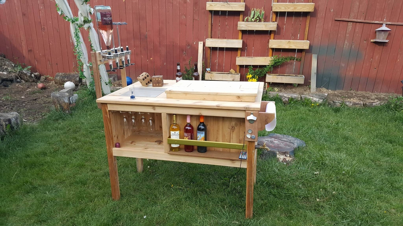 DIY Outdor Mini Bar