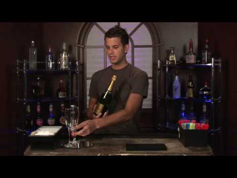 Bartending Tips: How Many Calories Are in a Glass or Bottle of Champagne?